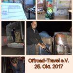 Helfer beim verpacken der Hilfsgüter